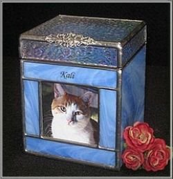 Beveled Top Urn with Picture